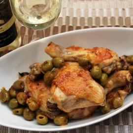 Курица с оливками и белым вином