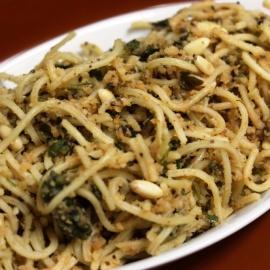 Спагетти с пастой из оливок
