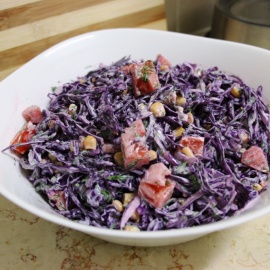 Салат с фиолетовой капустой