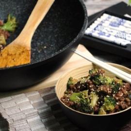 Стир-фрай из говяжьего фарша с брокколи