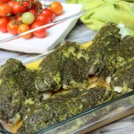 Филе тилапии запеченное с соусом песто
