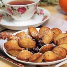 Апельсиновое печенье «Мадлен» с вяленой клюквой