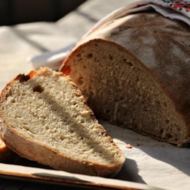 Простой хлеб из спельты родом из Швеции