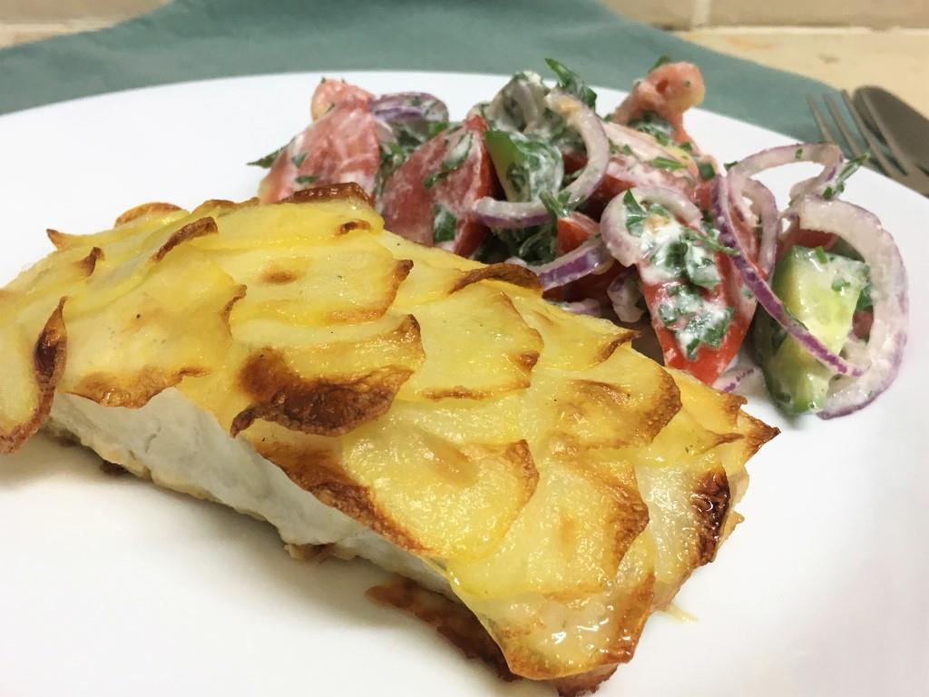 Рыба в чешуе из картофеля