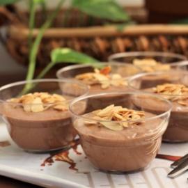 Творожно-банановый десерт с шоколадом