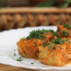Рыба тушеная в томатном соусе