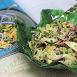 Картофельный салат с яйцами и сардинами