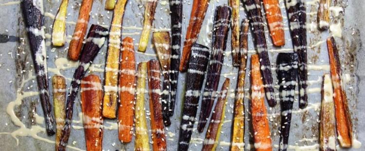 Запеченная цветная морковь