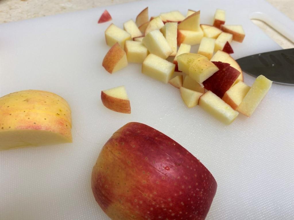 Тосты с тунцом и яблоками