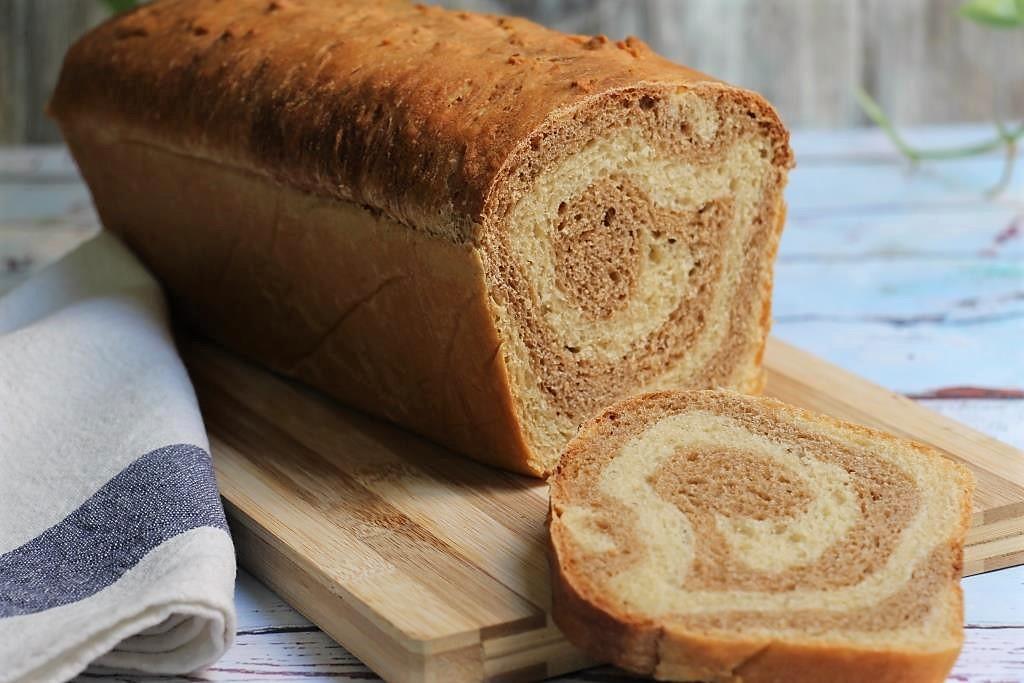 Спиральный хлеб из спельты