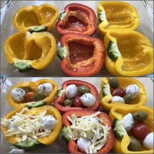 Запеченные половинки перца с сырно-овощной начинкой