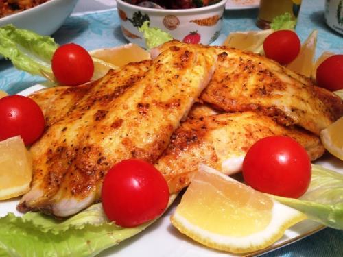 Запеченное филе тилапии по-мароккански